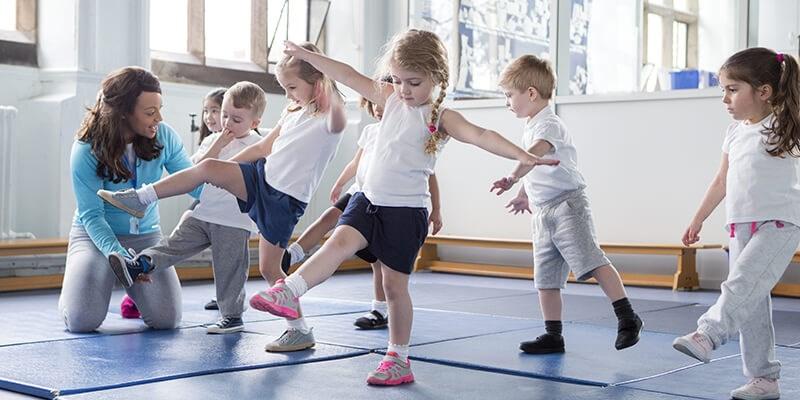 Advies aan scholen: Laat kinderen twee keer per dag bewegen