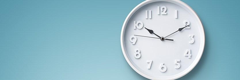 Hoeveel uur moeten kinderen naar school?